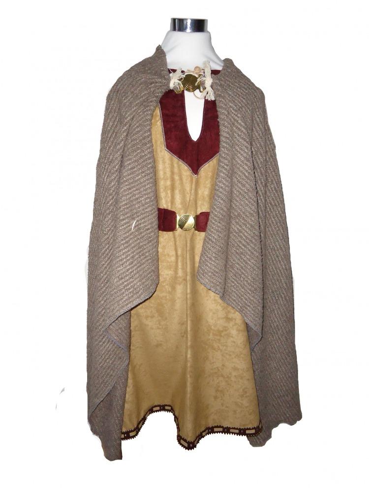 Men's Saxon Costume Image