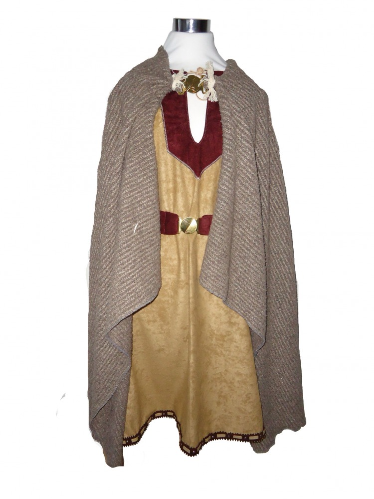Men's Saxon Costume Image