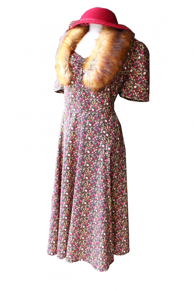 Ladies Wartime Goodwood Costume Size 18 - 20 Image