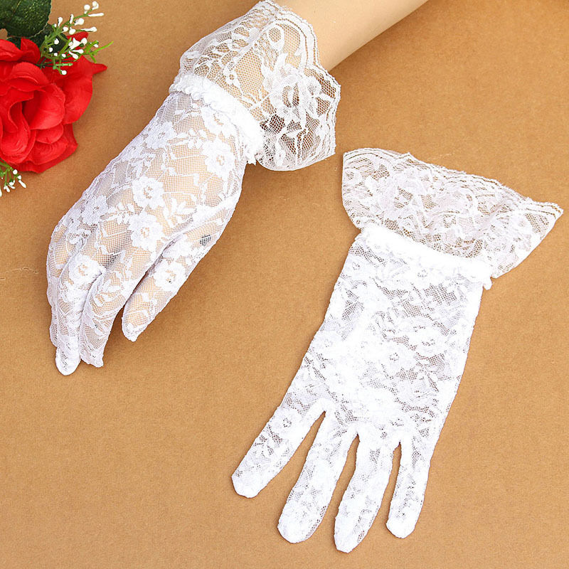 Ladies White Victorian Regency Lacy Gloves Image