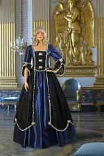 Ladies 18th Century Marie Antoinette Masked Ball Costume Size 6 - 10